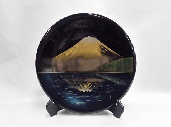 긴카가미후지(호수에 비친 금빛 후지산)  장식 접시(일본미술전람회 작가: 도미타 리쓰잔 작)